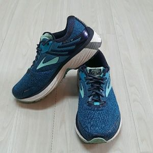 Brooks Adrenaline GTS 18 tennis rubber shoes sz 8